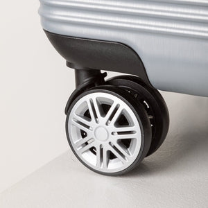 Large Lightweight Suitcase With Wheels - Silver