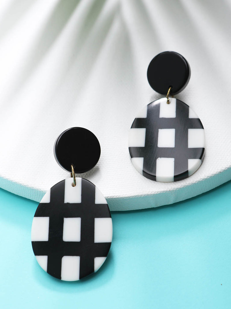 B&W Drop Earring