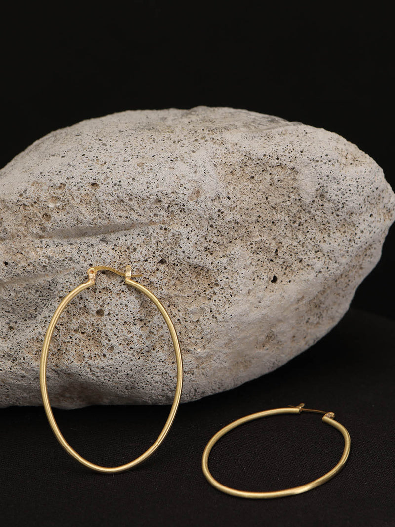 Oval Wire Hoop
