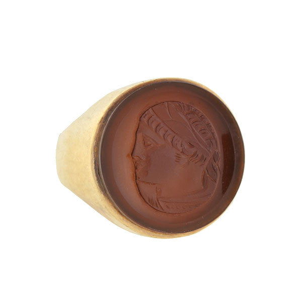 Victorian 10kt Carved Agate Intaglio Unisex Ring