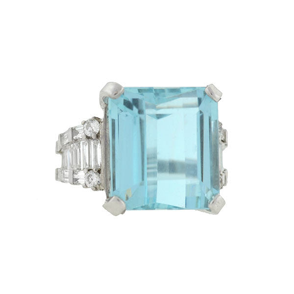 Vintage 18kt Aquamarine & Diamond Ring 17ct. center