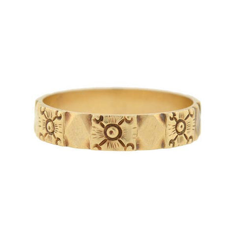 Late Victorian 18kt Gold Engraved Band