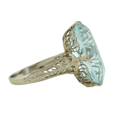 Art Deco 18kt Oval Aquamarine Filigree Ring