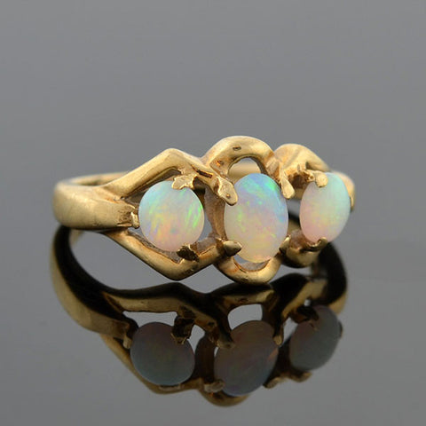 Vintage 14kt Opal Cabochon 3-Stone Ring