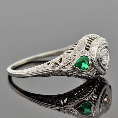 Art Deco 18kt Diamond Emerald Heart Engagement Ring 0.14ct