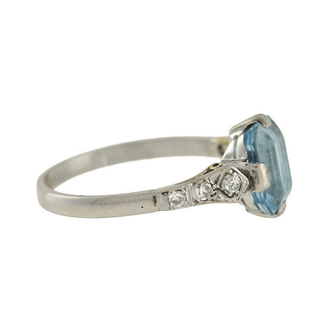 Art Deco 18kt Aquamarine & Diamond Ring