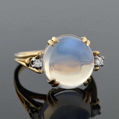 Retro 14kt Moonstone Cabochon & Diamond Ring