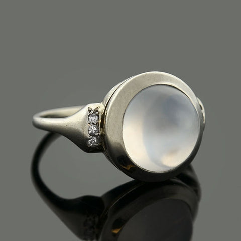Retro 14kt Moonstone & Diamond Ring