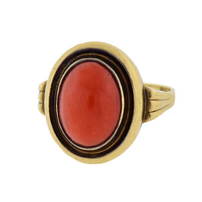 Retro 8kt Gold Cabochon Coral Ring