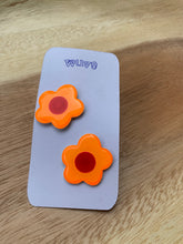 Load image into Gallery viewer, Wuve Handmade Flower Studs
