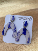 Load image into Gallery viewer, Wuve Handmade Arch Earrings