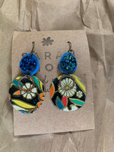 Load image into Gallery viewer, Sarah Shoot Mixed Media Druzy Floral Danglers