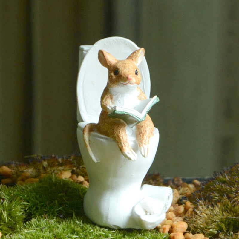 Funny Mouse Pig Bunny Frog on Toilet Desktop 	 Figurines Miniature Decoration Gifts