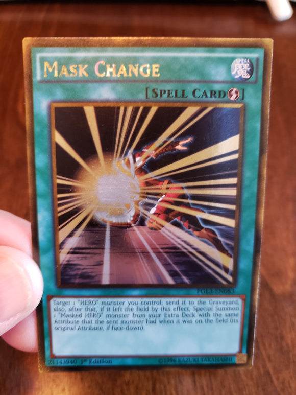 Mask Change PGL3-EN083 Gold Rare 1st Edition Yugioh Card