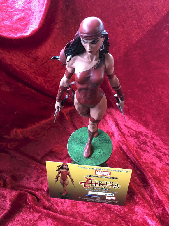 Elektra Statue by Diamond Select Toys