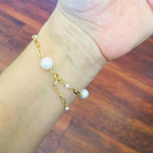 Load image into Gallery viewer, CARRIE - PEARL BRACELET