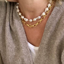 Load image into Gallery viewer, SAMANTHA - CHUNKY GOLD CHAIN