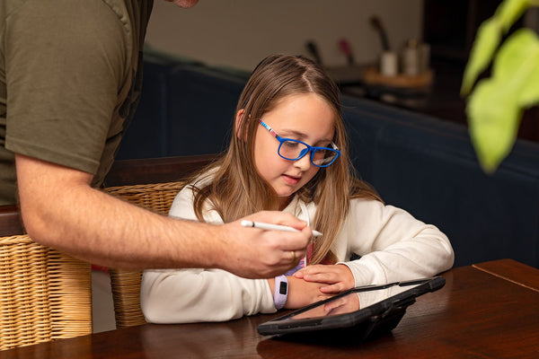 Blue Light Glasses, Kids and digital Devices.