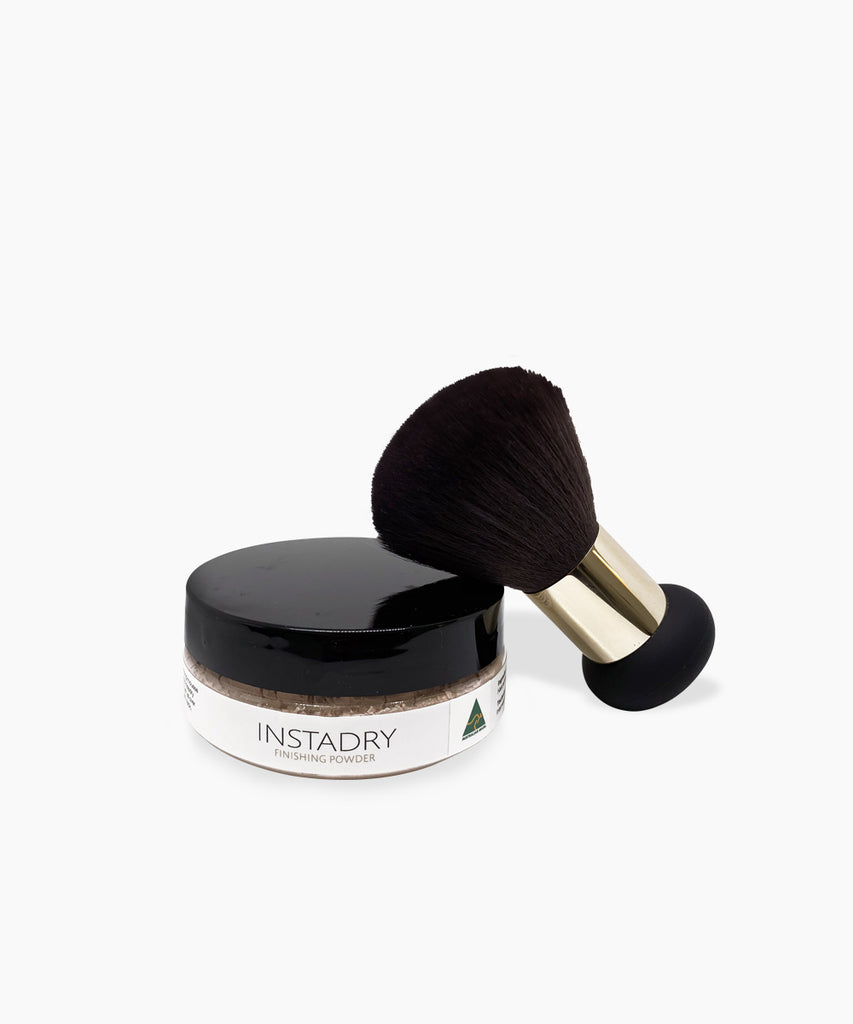 INSTADRY FINISHING POWDER + FINISHING BRUSH