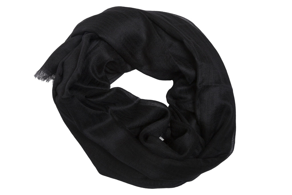 Featherweight Cashmere Scarf in Black