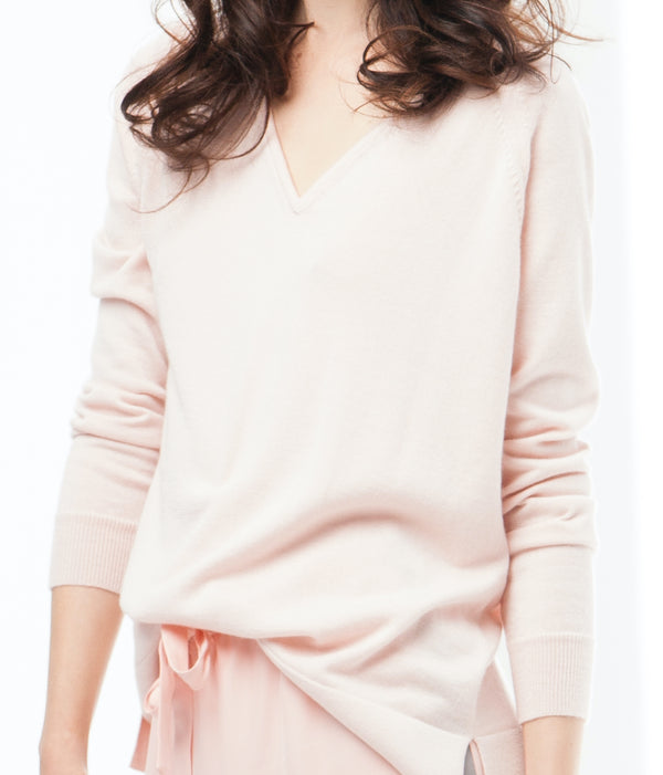 SILK & CASHMERE V-NECK PULLOVER - BLUSH