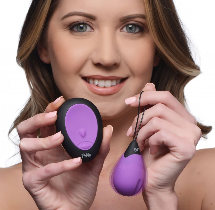 Bang! 10X Vibrating Silicone Egg with Remote Purple