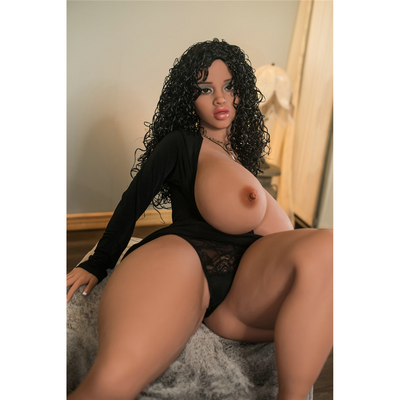 Paloma - La Sex Doll Latina Gourmande