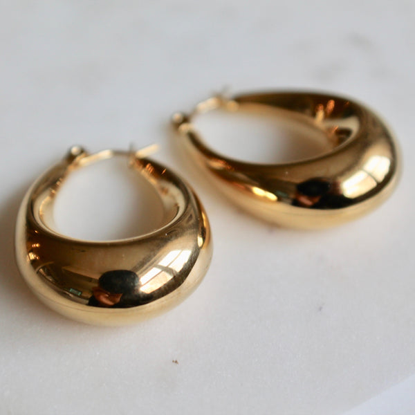Oval chunky gold hoop earrings - Lily Lough Jewelry