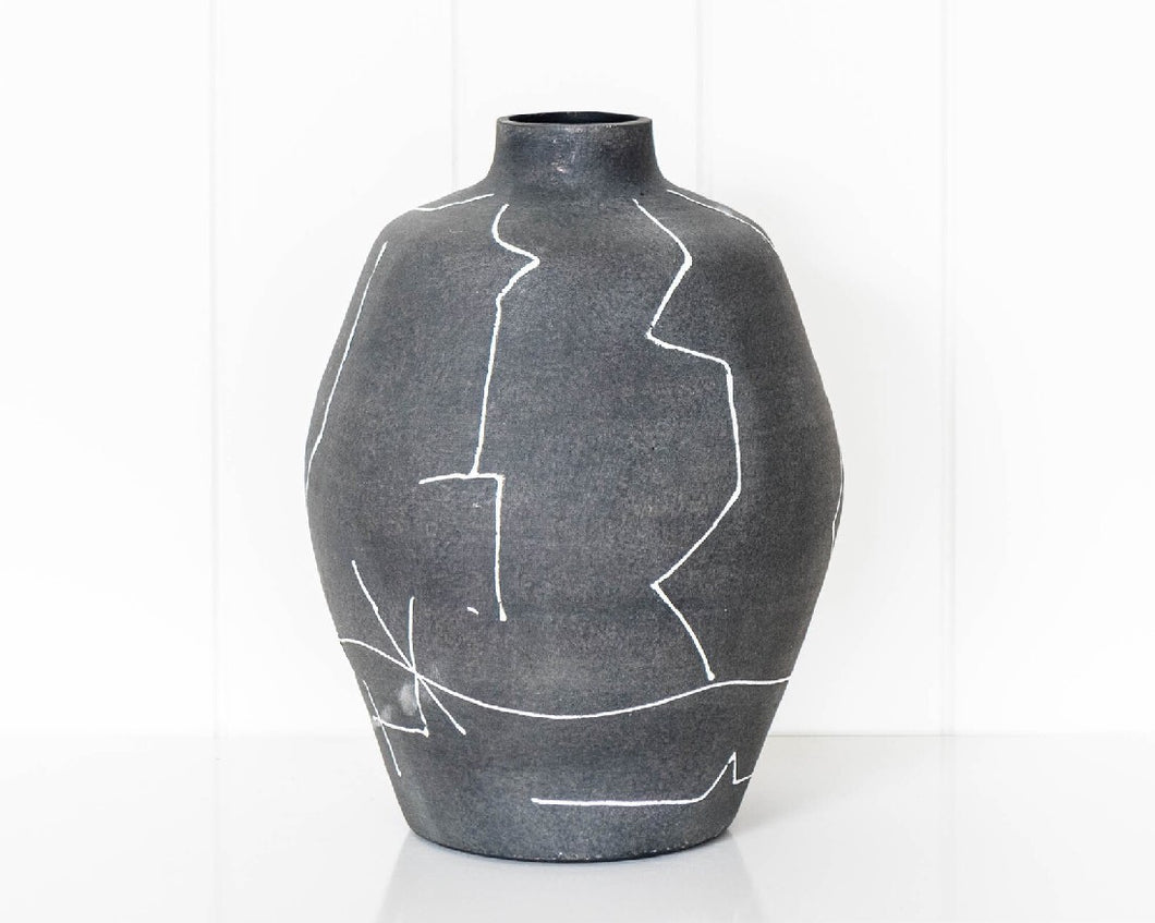 ANATSUI LINES URN
