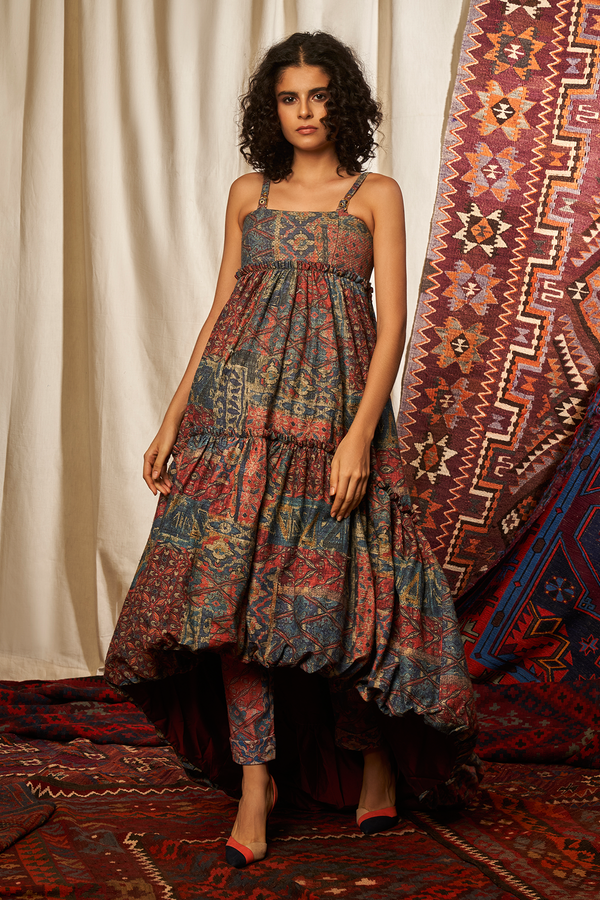 CARPET PRINT BALLOON HEM DRESS