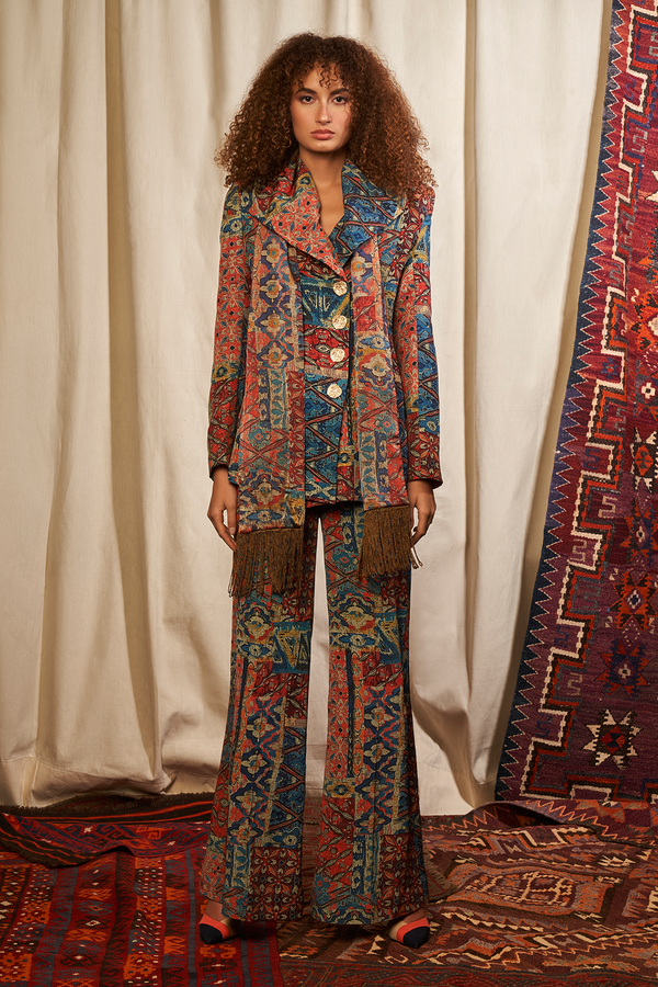 CARPET PRINT PANT SUIT AND FRINGED SCARF