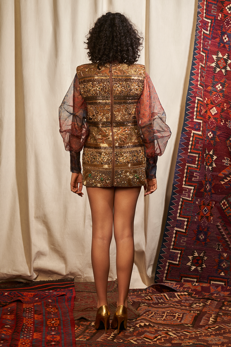 BROWN SHORT DRESS WITH BAROQUE HANDWORK