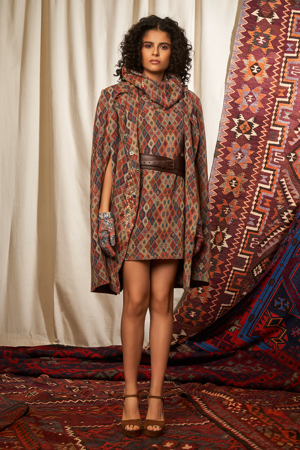 BRICK PRINT SPRING CAPE  WITH INNER DRESS