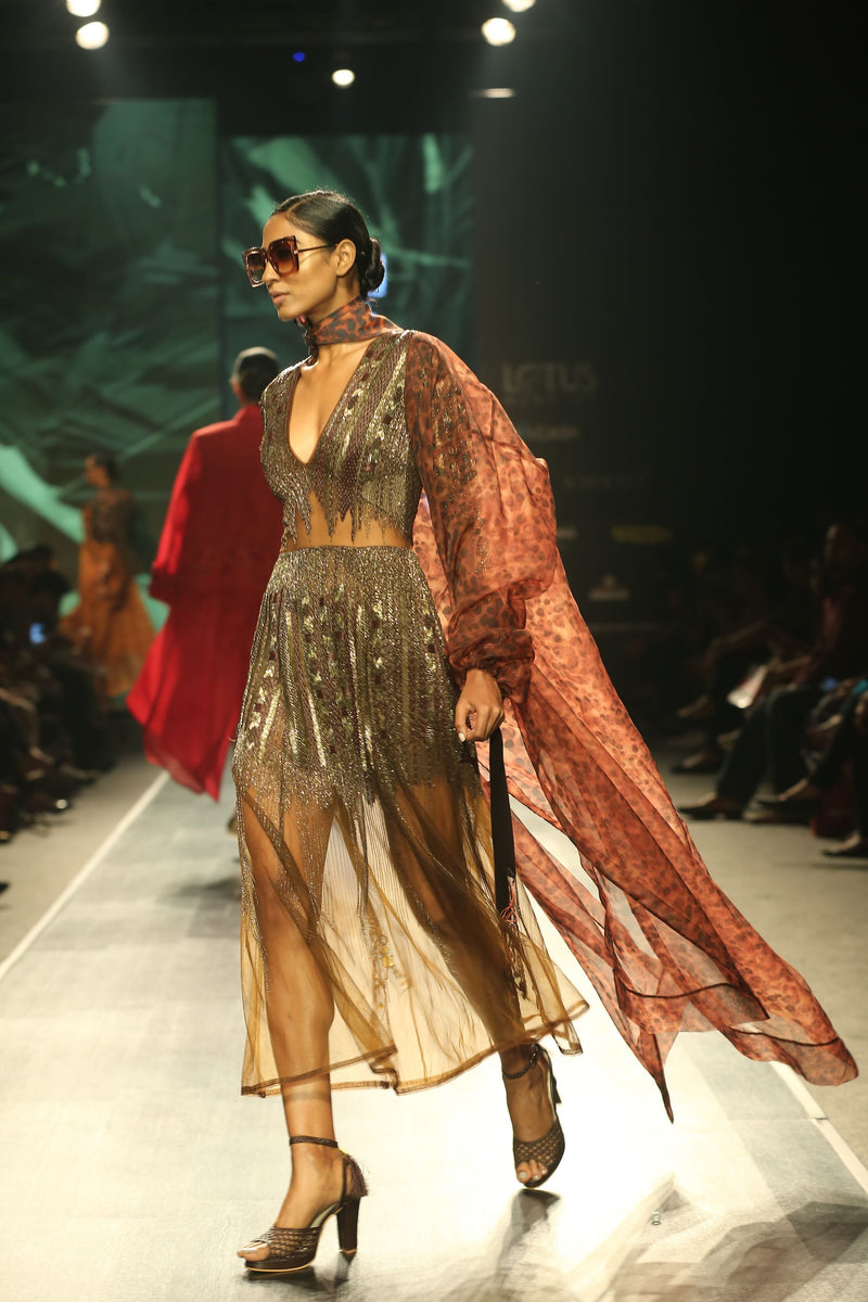 SHEREEN BHARWANI IN TORTOISE SHELL PRINT TRENCH COAT
