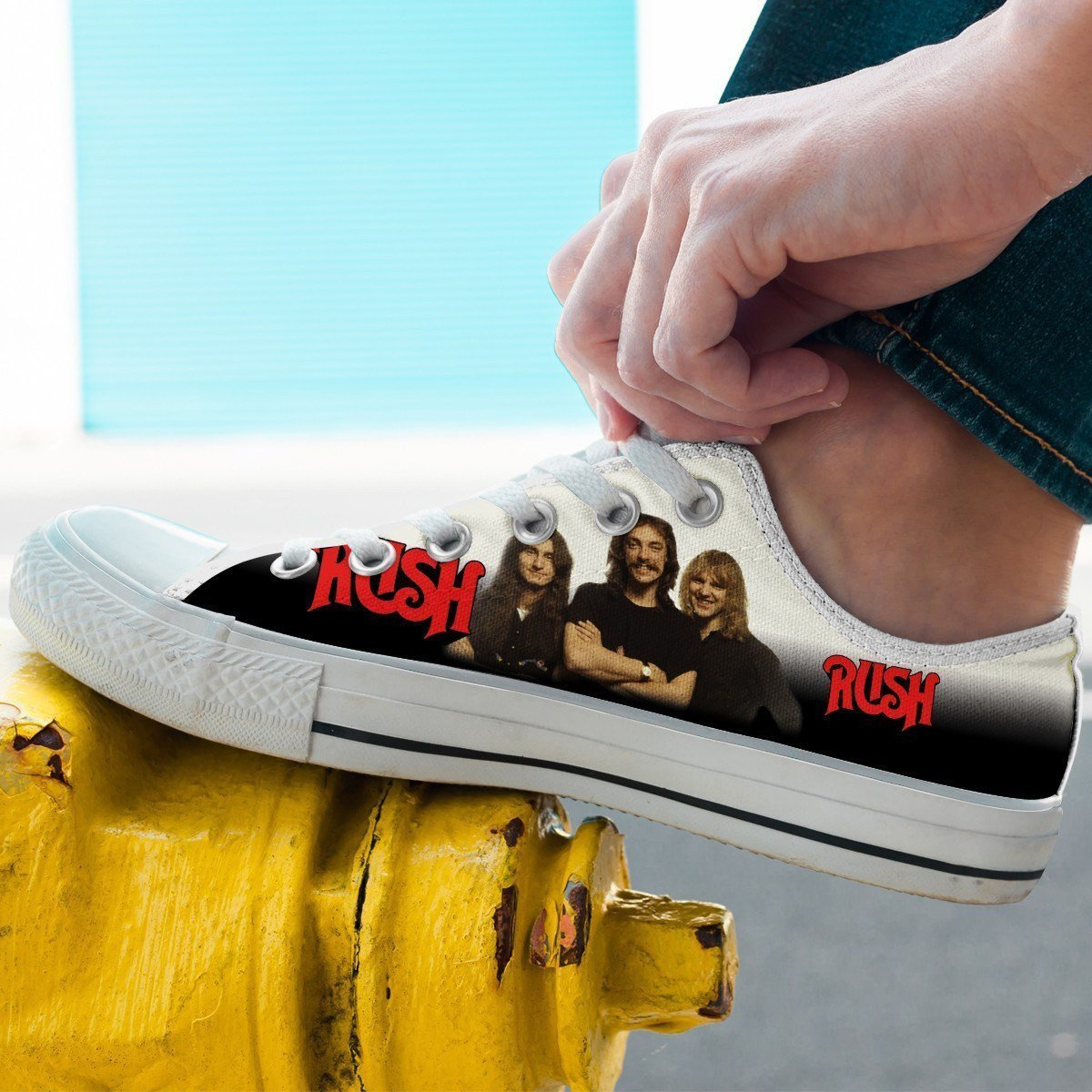 rush band mens low cut sneakers