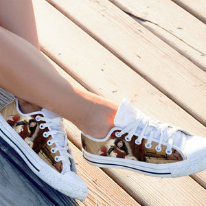 amazing ladies low cut sneakers