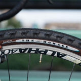 SimWorks - The Homage Tire Black and brown 700c