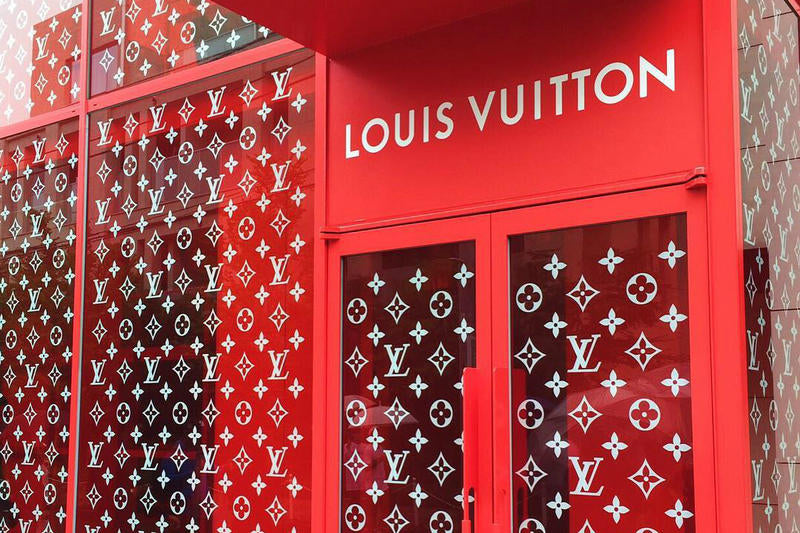boutique supreme X louis vuitton