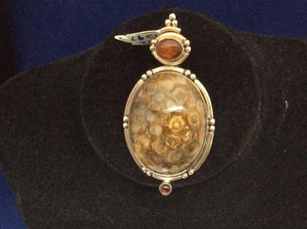 PENDANT Chrysanthemum Coral Fossil cabochon stone Vintage Pendant 925 7412-1397 - Ragtime Consignment Boutique