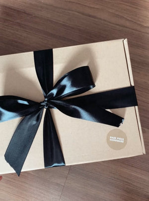 Open image in slideshow, Gift Wrapping Service