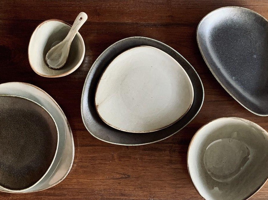 Natón 10-Piece Dinnerware Set (For 2)