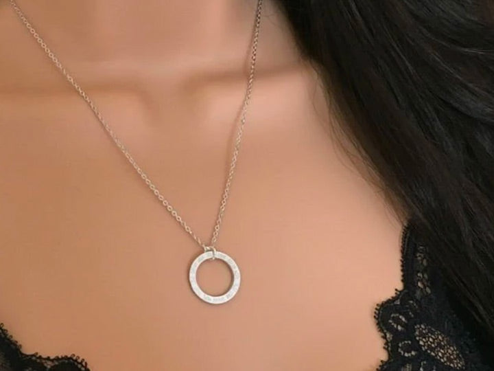 Simple Circle Necklace by Handmade Dezigns