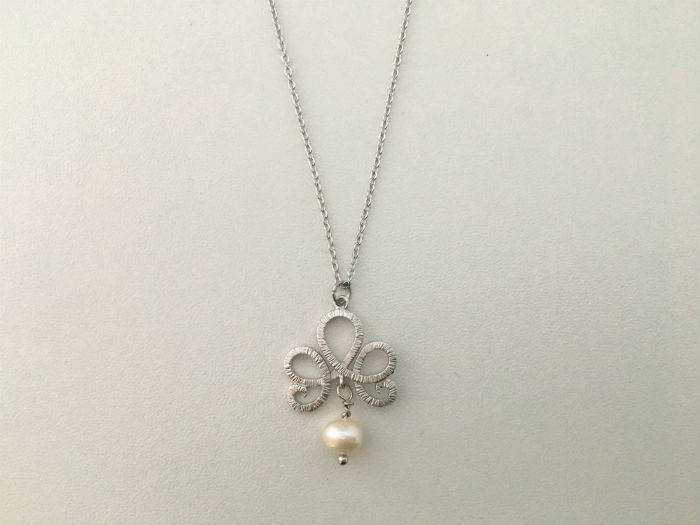 Simple Real Pearl Necklace by Handmade Dezigns