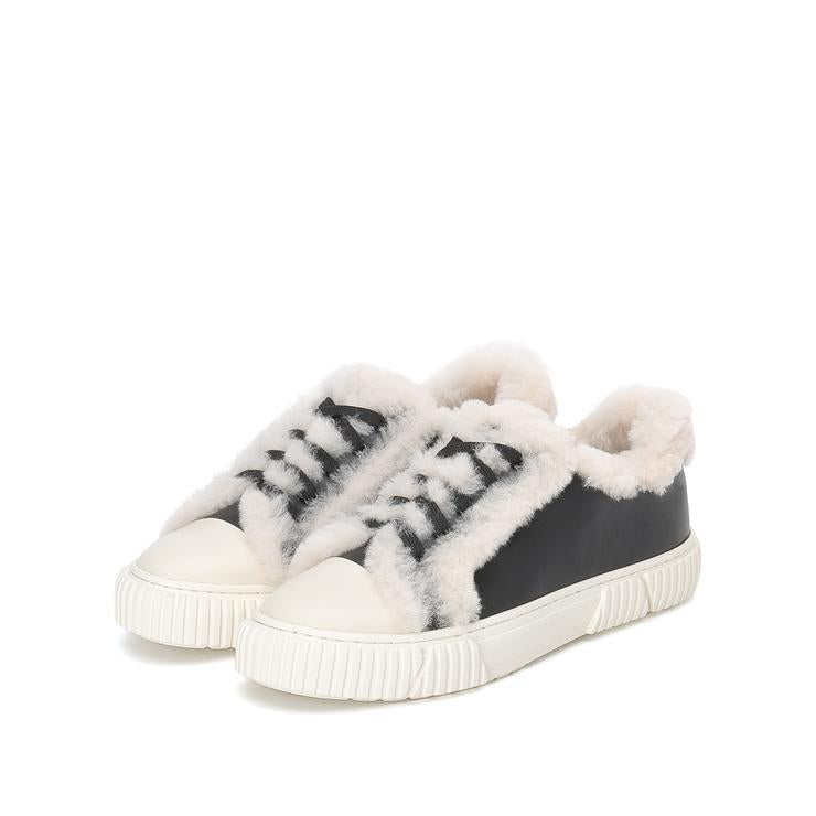 Fluffy lace-up Sneakers