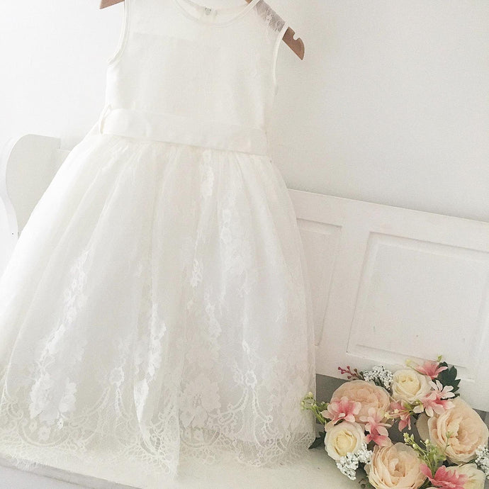Ivory lace dress 4 years