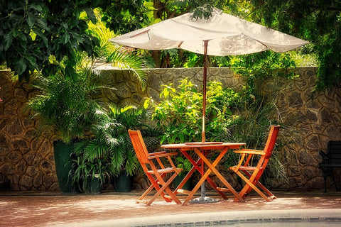 7 Ways To Keep Your Patio Umbrella From Falling Over Sunnydaze Decor