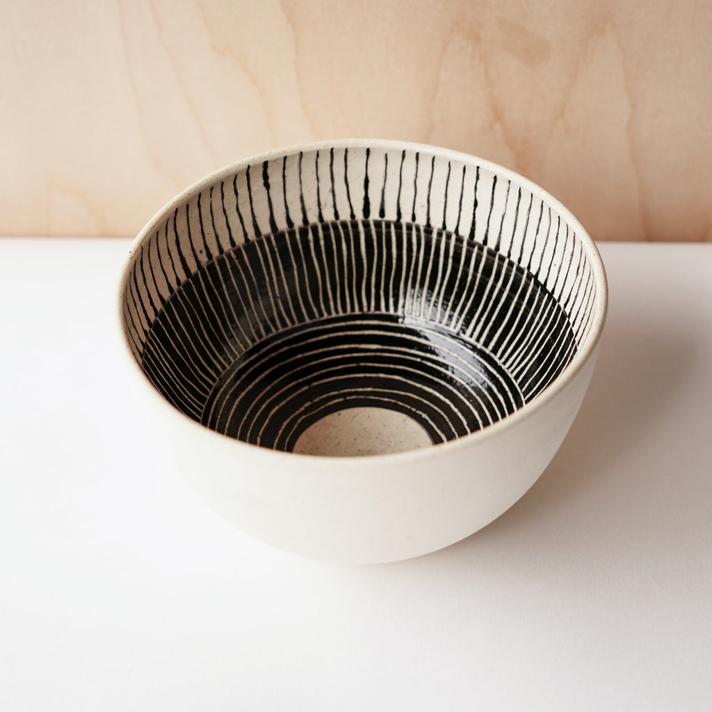 Striped Everyday Bowls (White)