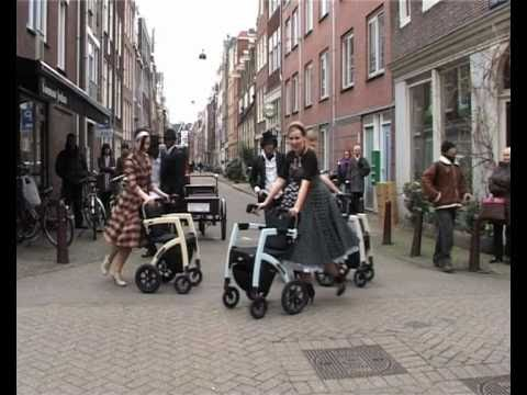 Rollz Motion Street Performance in Amsterdam