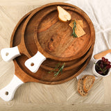 ROUND CUTTING BOARD WITH WHITE HANDLE
