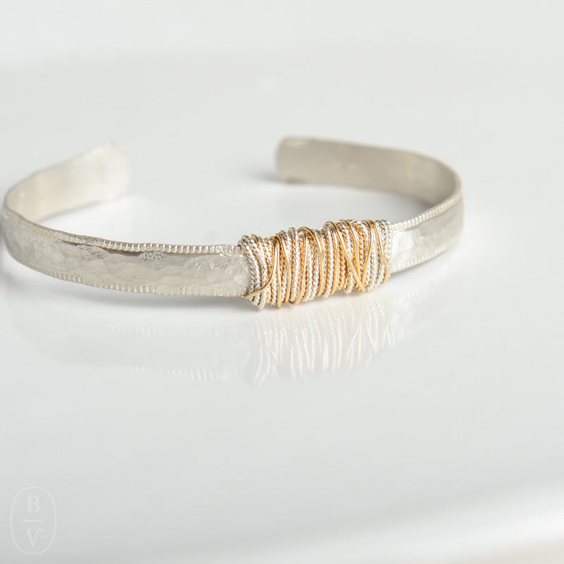THIN HAMMERED WRAPPED CUFF BRACELET - B150485